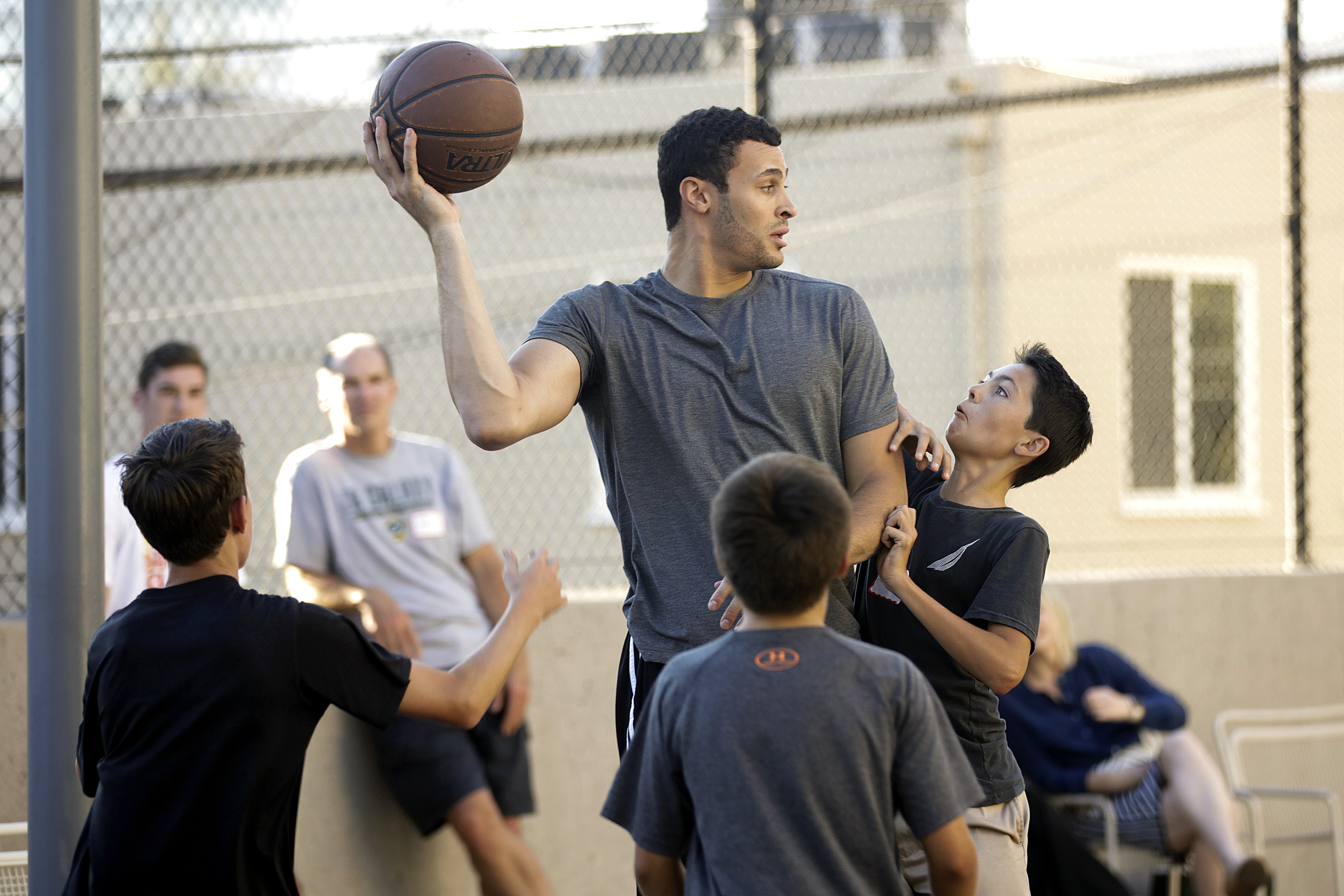 Lakers forward Larry Nance Jr. plays basketball with some patients at Cedars-Sinai Medical Center on Wednesday. Photo by: Cedars-Sinai