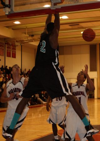 2887-RA Anthony Stover Dunk.jpg