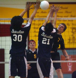 6160-La Canada boys volleyball.jpg