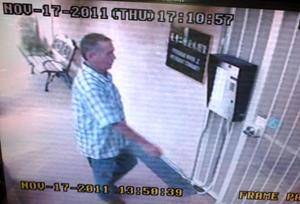 56811-MONTEREY PARK SENIOR DISTRACTION BURGLARIES SUSPECT-thumb-300x204-56810.jpg