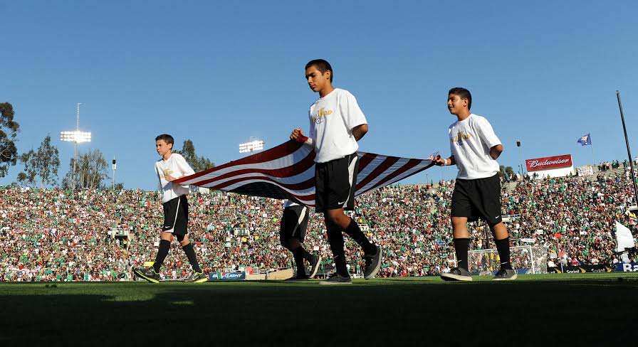 The United States and Mexico play during the CONCACAF Gold Cup soccer final Saturday evening June 25, 2011 at the sold out Rose Bowl in Pasadena.    (Will Lester/Staff Photographer)