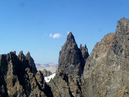 Jagged Mammoth Mountains jut up in the air. (Photo courtesy of SkyTime Air Tours)