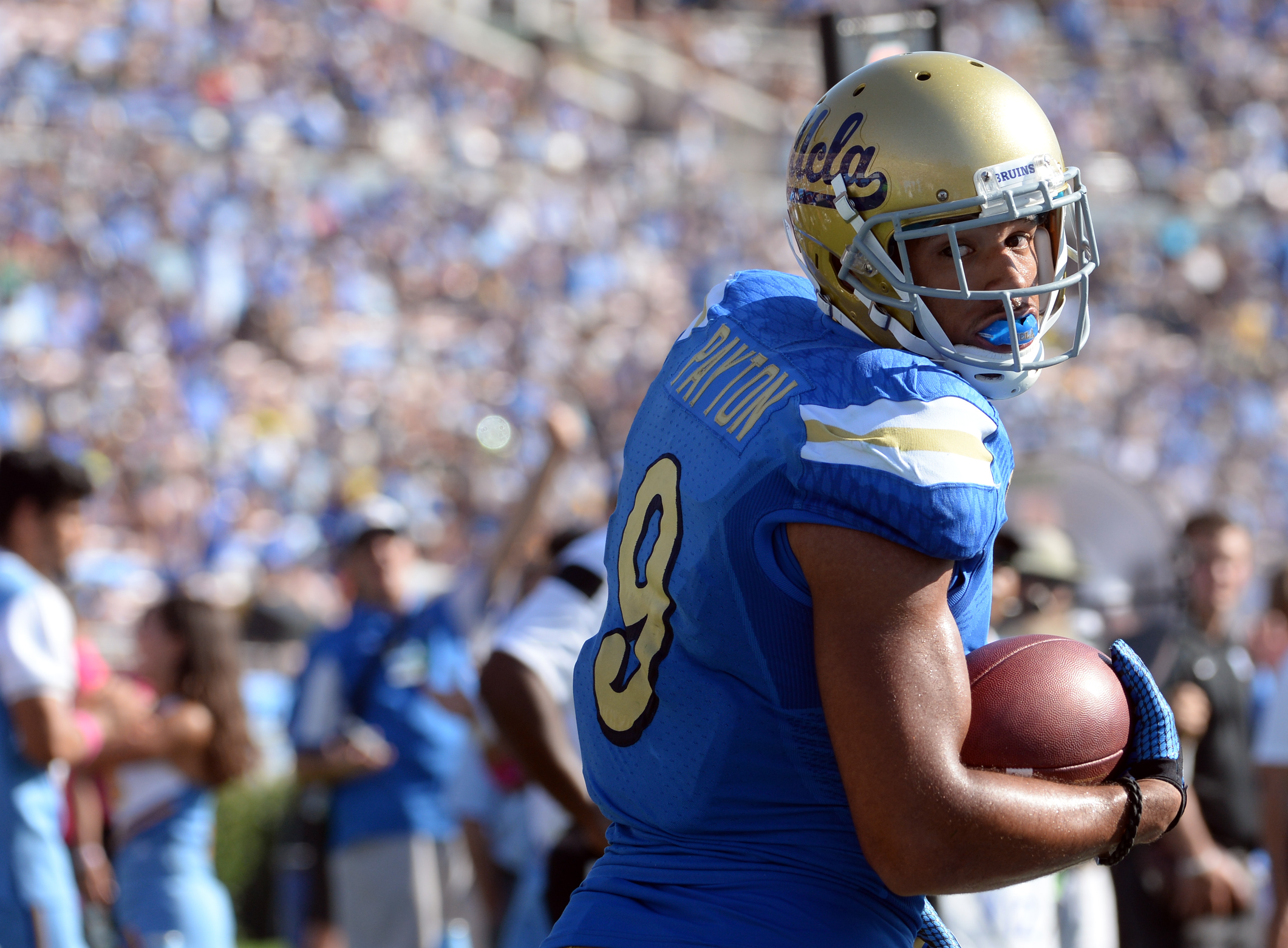 UCLA receiver Jordan Payton was one of two Bruins to accept invitations to the Senior Bowl. (Keith Birmingham/Staff)